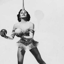 juggling-woman_thumb