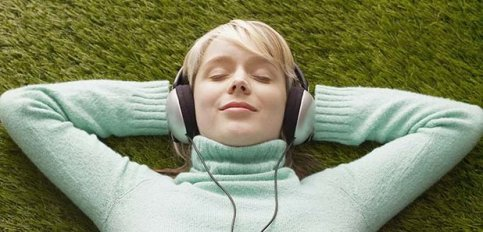 relaxing-to-music-1251383502-article-0