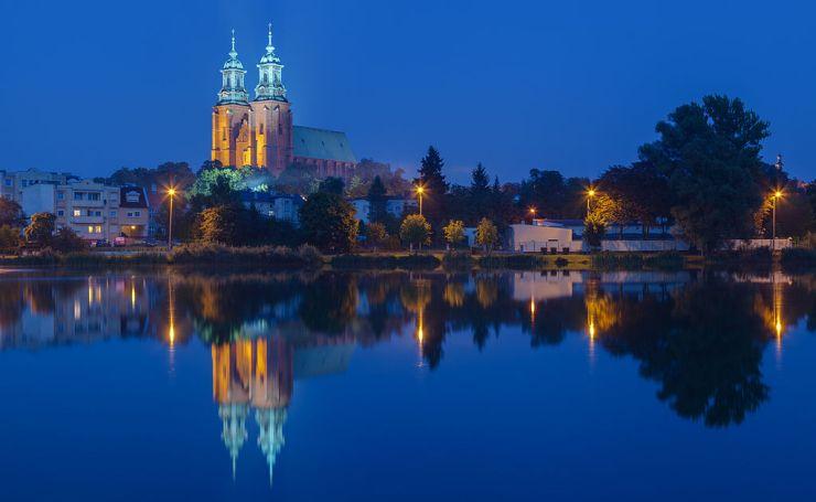 Catedral_de_Gniezno,_Gniezno,_Polonia,_2014-09-20,_DD_40-42_HDRDiego_Delso
