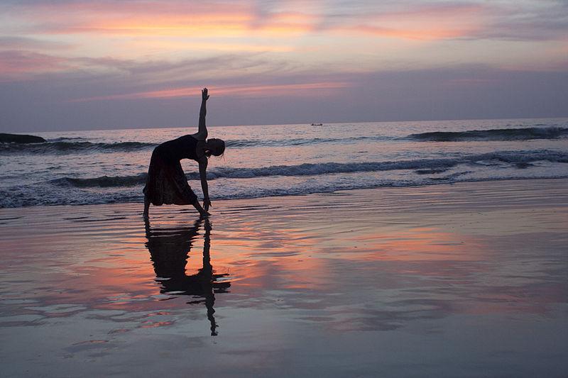 Yoga_at_SunsetbyDennisYang