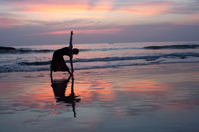Yoga_at_SunsetbyDennisYang
