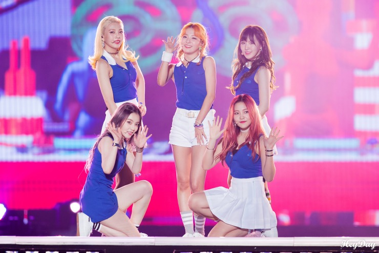 Red_Velvet_Hallyu_Festival_in_Incheon_2016.jpg