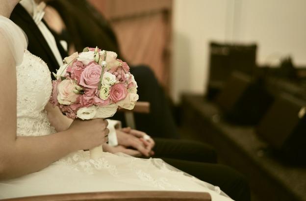 wedding-2794695_960_720