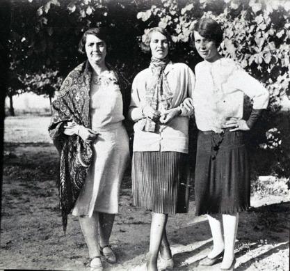 Afghan_women_in_1927