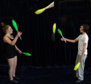Club_juggling