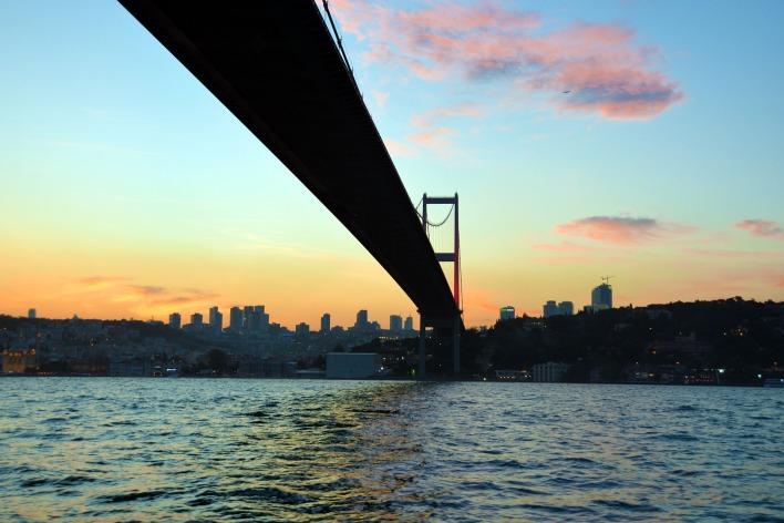 bridge-1466045_1920