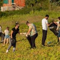 Младите кавадарчани ја менуваат околината
